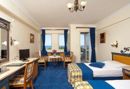 هتل کلاب یالی کوش آداسی