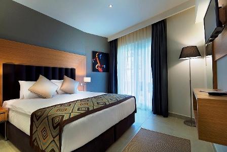 هتل رامادا ریزورت و گلف کوش آداسی