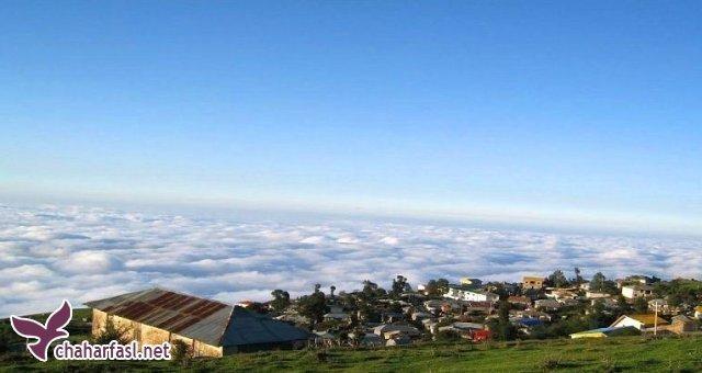 روستایی عجیب و رویایی بر فراز ابرها